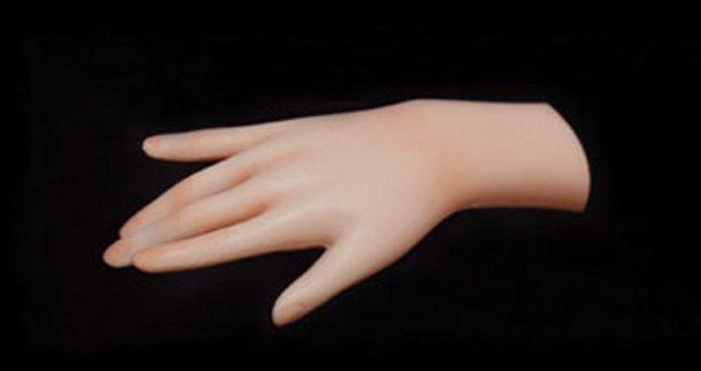 Optional können die Puppen von Lovely Doll mit beweglichen Fingern ausgestattet
